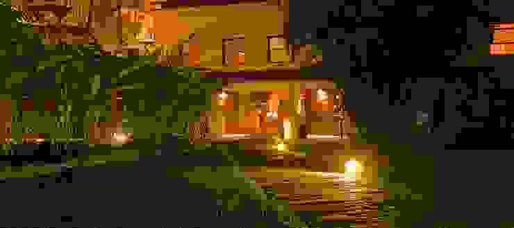 HOTEL SANTA TERESA | Acesso Recepção Hotéis modernos por Tato Bittencourt Arquitetos Associados Moderno