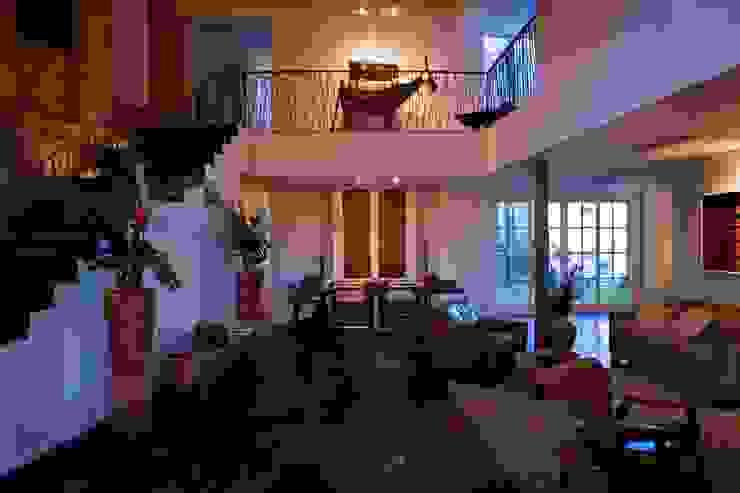 HOTEL SANTA TERESA | Recepção Hotéis modernos por Tato Bittencourt Arquitetos Associados Moderno