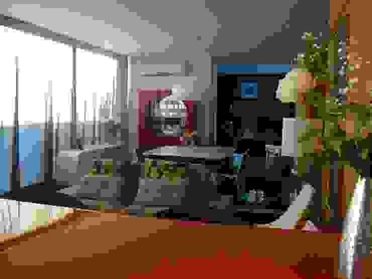 Modern dining room by Jader e Ivan Arquitetos Modern