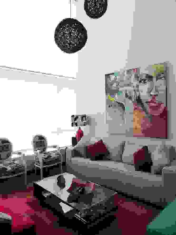 Proyecto General Ludwig Livings de estilo moderno de Más Identidad Diseño Moderno