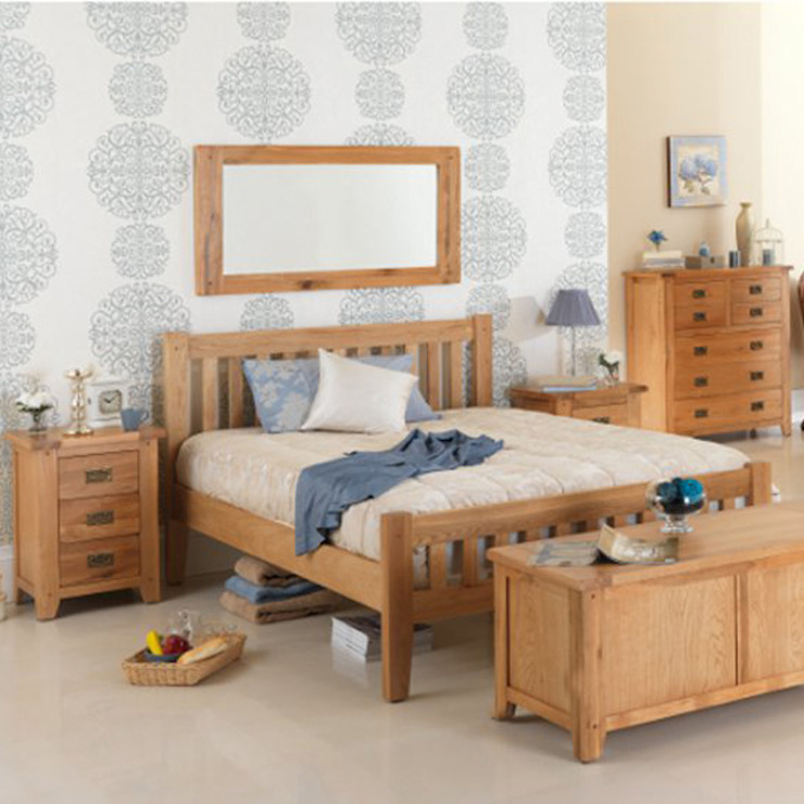 Cherbourg Oak Bedroom Furniture por Asia Dragon Furniture from London Clássico