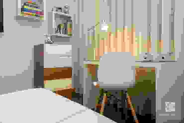 Secretária Quartos de criança modernos por Ângela Pinheiro Home Design Moderno Madeira Acabamento em madeira