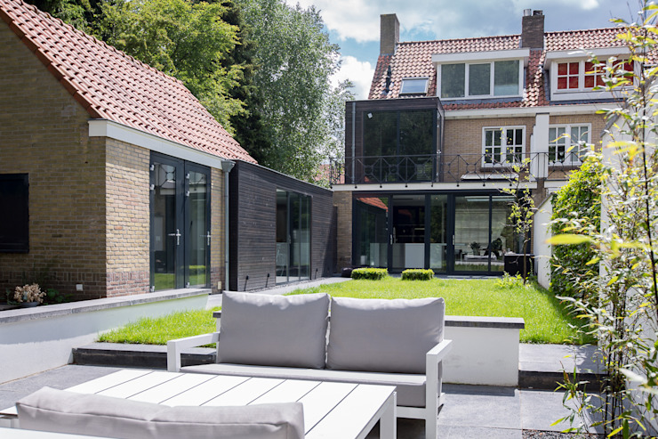 Jardines de estilo minimalista de B-TOO Minimalista
