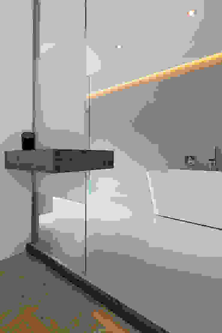 Ванная комната в стиле минимализм от B-TOO Минимализм
