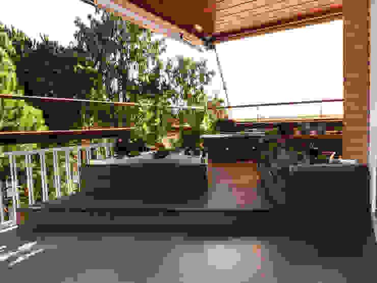 Terraza. Balcones y terrazas de estilo minimalista de Daifuku Designs Minimalista