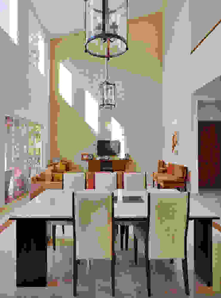 el comedor Comedores de estilo colonial de Excelencia en Diseño Colonial Ladrillos