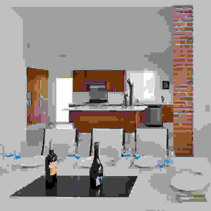 la cocina, comedor Cocinas de estilo colonial de Excelencia en Diseño Colonial Ladrillos