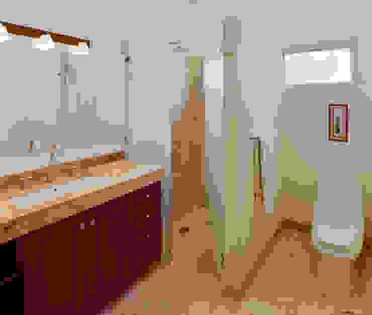 Baños de estilo colonial de Excelencia en Diseño Colonial Mármol