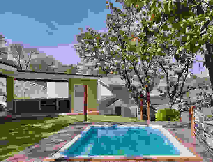 la piscina Piletas coloniales de Excelencia en Diseño Colonial Ladrillos
