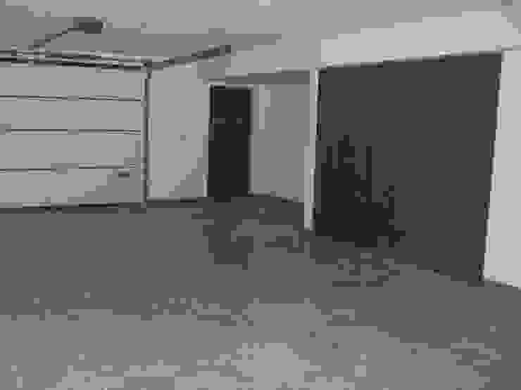 MORADIAS UNIFAMILIARES T4 – VALONGO – PORTUGAL Garagens e arrecadações minimalistas por SILFI - ARQUITETURA, ENGENHARIA E CONSTRUÇÃO Minimalista Cerâmica