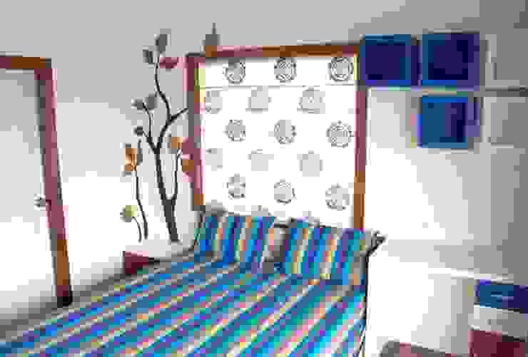 4 BHK in Bengaluru Cee Bee Design Studio Modern living room
