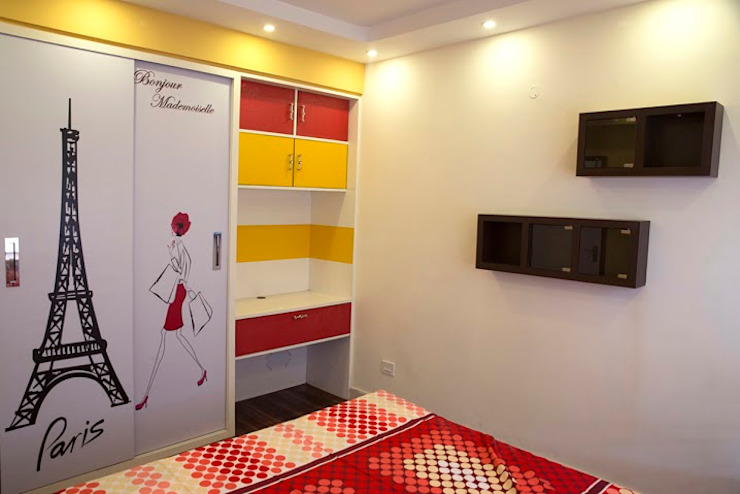 4 BHK in Bengaluru:  Dressing room by Cee Bee Design Studio