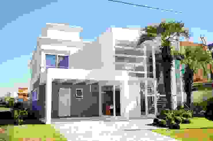 Casas de estilo  por Marcelo John Arquitetura e Interiores, Minimalista