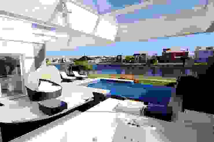 Projeto Arquitetura de Interiores Residencial Litoral Varandas, alpendres e terraços minimalistas por Marcelo John Arquitetura e Interiores Minimalista