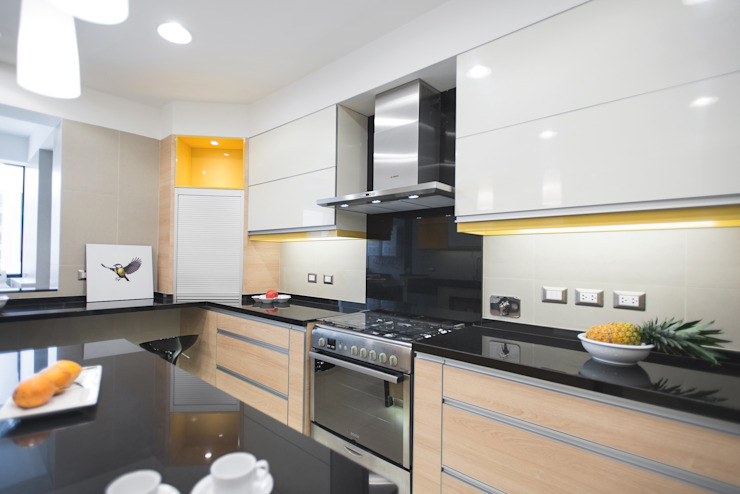 Duo Arquitectura y Diseño Modern Kitchen Yellow