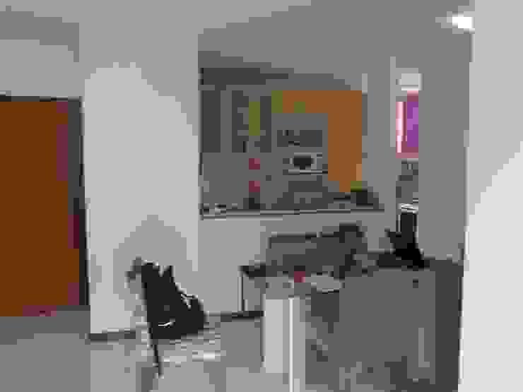 Cozinha como estava antes:   por Anderson Roberto  - Soluções Inteligentes para Ambientes