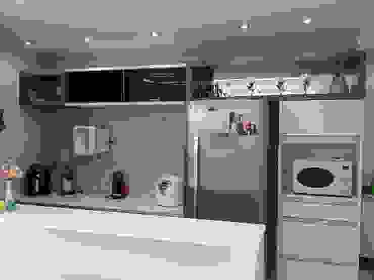 cozinha depois:   por Anderson Roberto  - Soluções Inteligentes para Ambientes