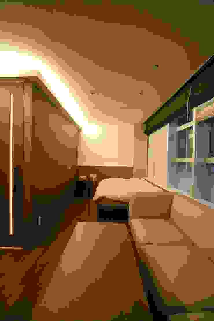 空想屋 (Koosoya Space Design Lab) Cuartos de estilo moderno Acabado en madera