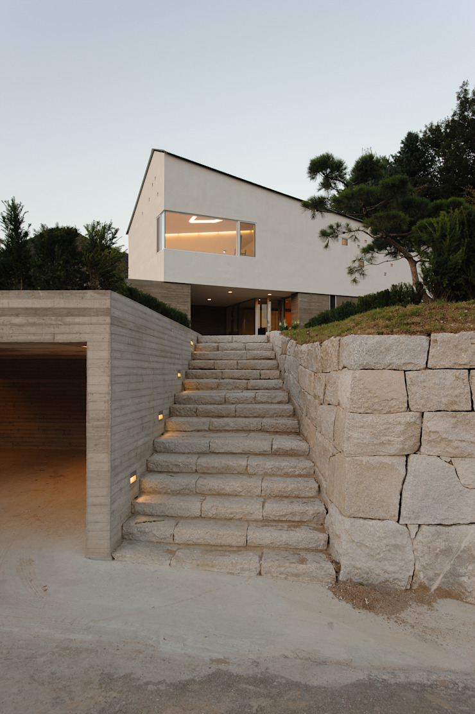 수능리 주택 (Suneungni house) 모던스타일 주택 by 위빌 모던