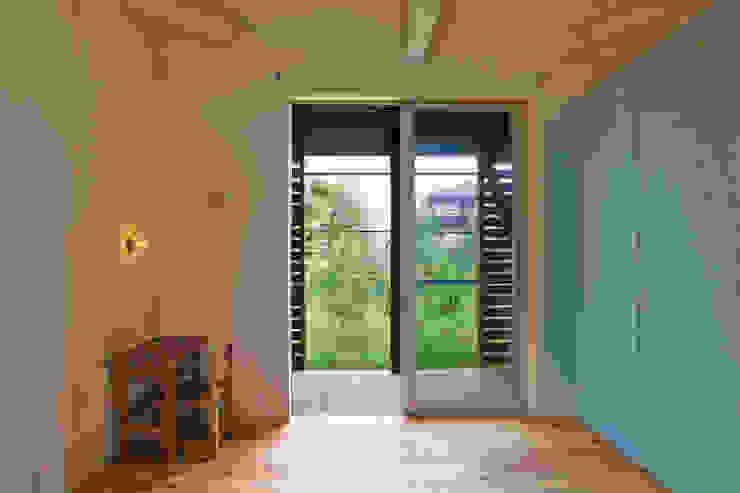 ik-house 和風デザインの 書斎 の tai_tai STUDIO 和風