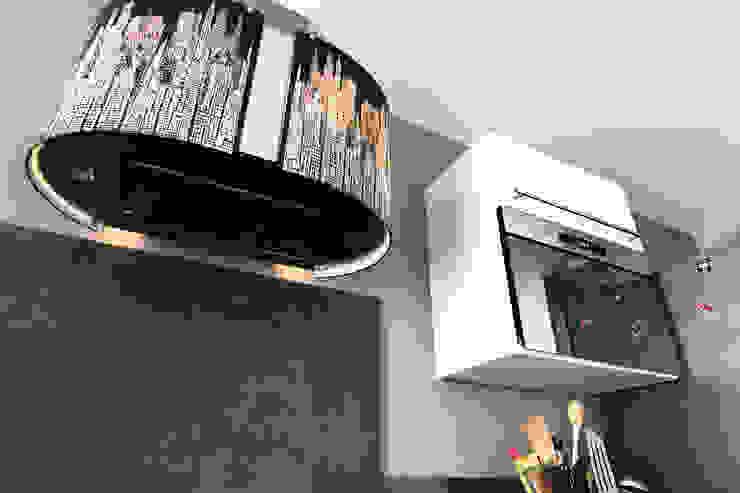 Cocinas de estilo moderno de E/P ESPACE DESIGN - Emilie Peyrille Moderno Contrachapado