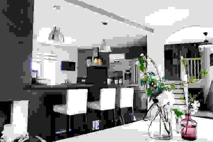 Une décoration sobre et design Cuisine moderne par E/P ESPACE DESIGN - Emilie Peyrille Moderne