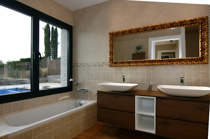 Baño en suite Baños de estilo moderno de Atres Arquitectes Moderno Madera Acabado en madera