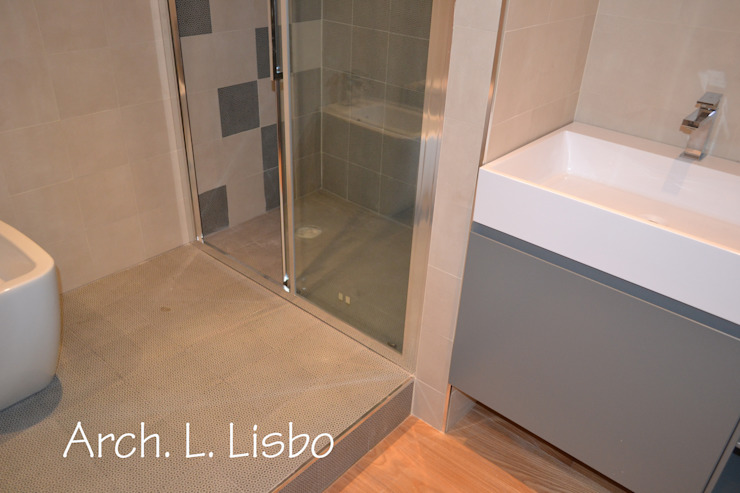 Bathroom by ARCHITETTO LAURA LISBO,