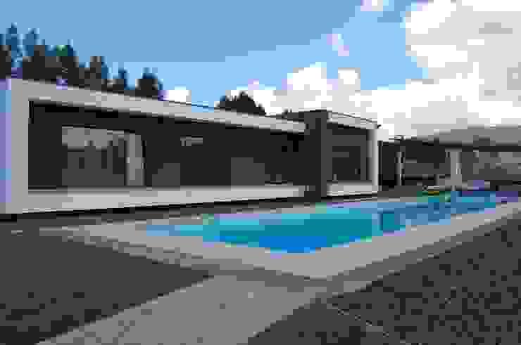 Houses by Engebasto - Atividades de Engenharia e Arquitetura, Lda,