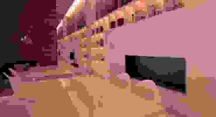 Mesas con cubierta de mármol. de DSeAl Muebles. Minimalista