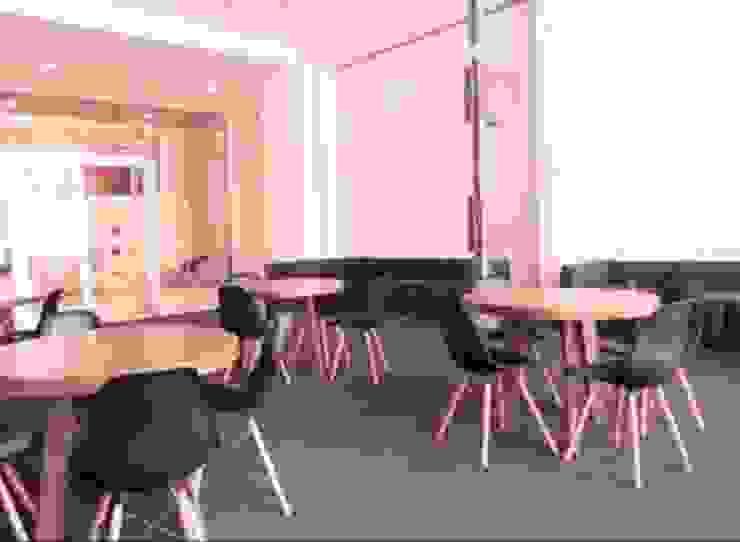 Mesa de 4 personas. de DSeAl Muebles. Minimalista