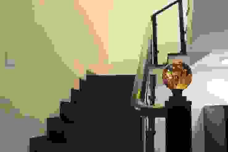 Duplex in Indore Asian style corridor, hallway & stairs by Shadab Anwari & Associates. Asian