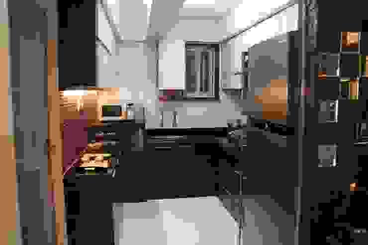 Kitchen by Elevate Lifestyles, Modern