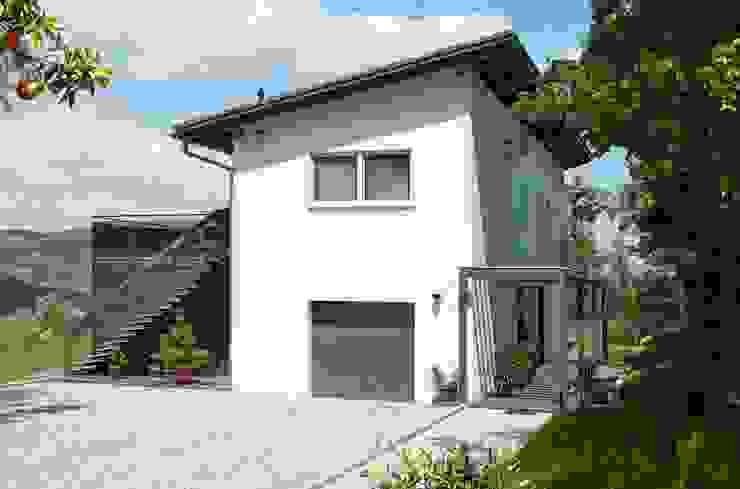 Casas modernas: Ideas, imágenes y decoración de Spazio Positivo Moderno