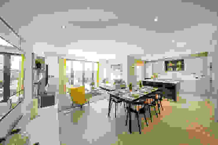 Kitchen/ Family/ Breakfast Room by Studio Hooton Сучасний