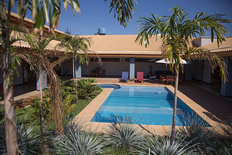 Pools im Landhausstil von Érica Pandolfo - arquitetura / interiores Landhaus