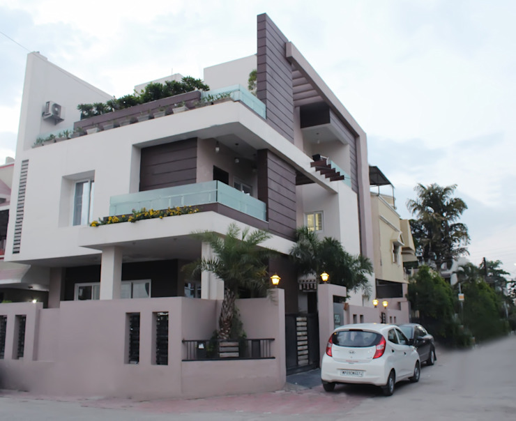 Duplex at Indore Shadab Anwari & Associates. Asian style houses
