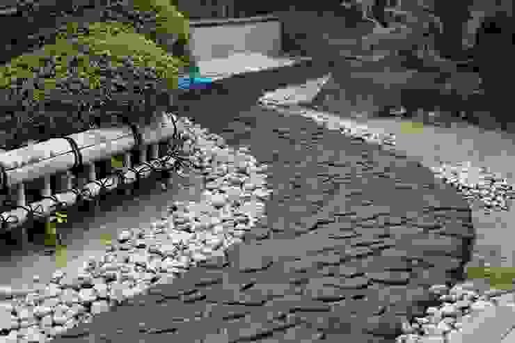 Jardines de estilo asiático de 杉田造園 株式会社 Asiático Piedra