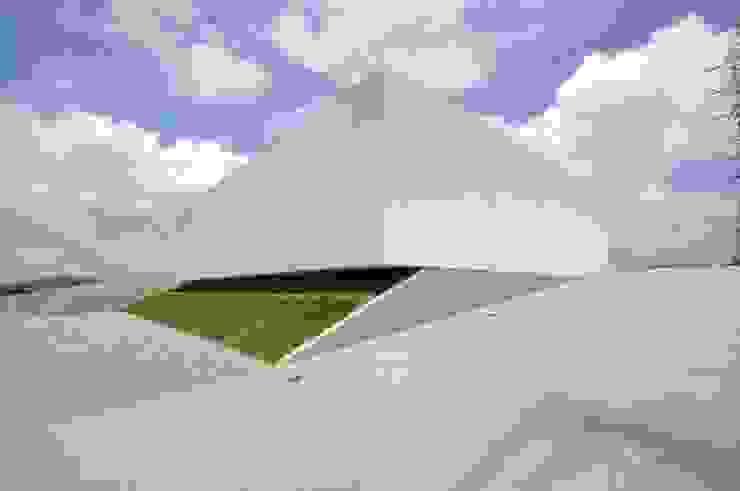 โดย 門一級建築士事務所 โมเดิร์น คอนกรีต