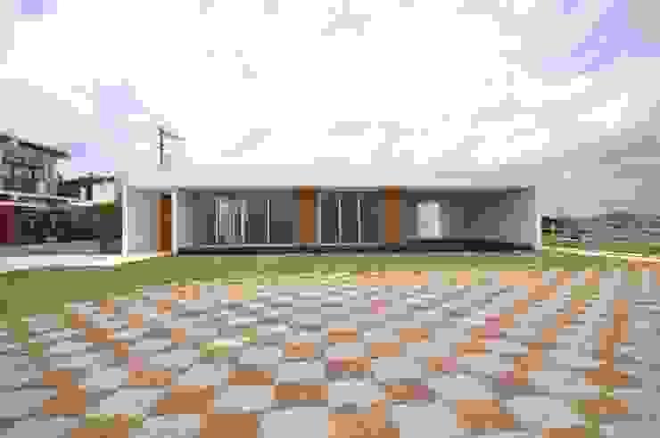 NKZT-house モダンな 家 の 門一級建築士事務所 モダン コンクリート