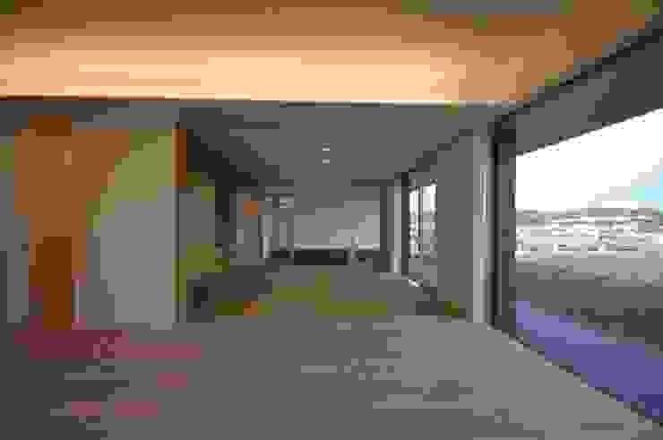 Modern Living Room by 門一級建築士事務所 Modern Wood-Plastic Composite