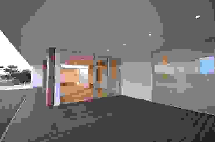 NKZT-house モダンデザインの テラス の 門一級建築士事務所 モダン 木材・プラスチック複合ボード