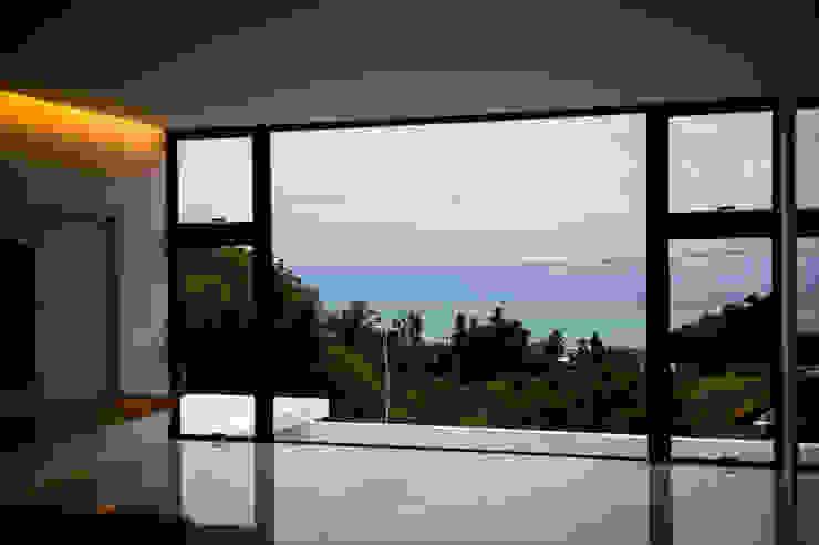 Moderne Fenster & Türen von 門一級建築士事務所 Modern Aluminium/Zink