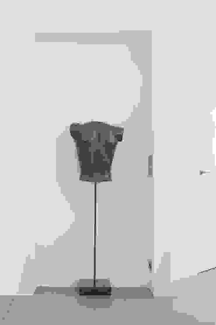 kunst in nis van IJzersterk interieurontwerp Minimalistisch