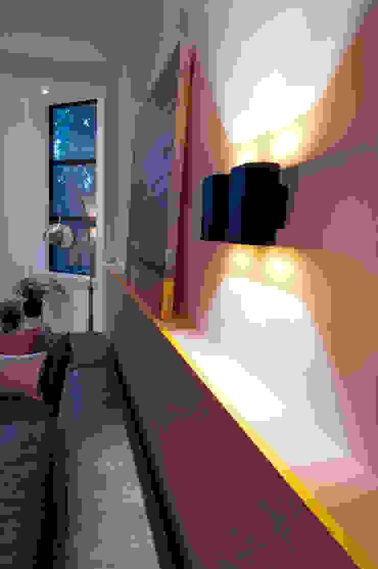 detail wand Moderne woonkamers van IJzersterk interieurontwerp Modern