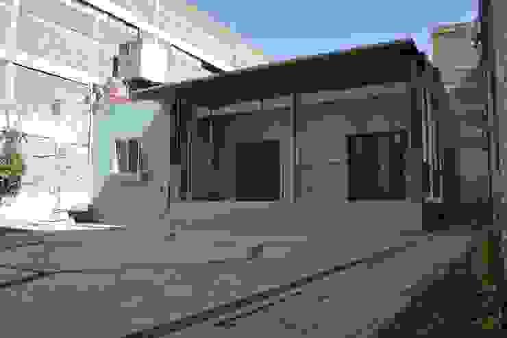 根據 CUBO ROJO Arquitectura