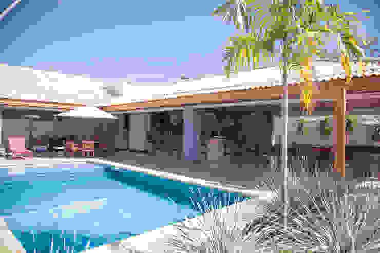 Chacara 4 Modern pool by Érica Pandolfo - arquitetura / interiores Modern