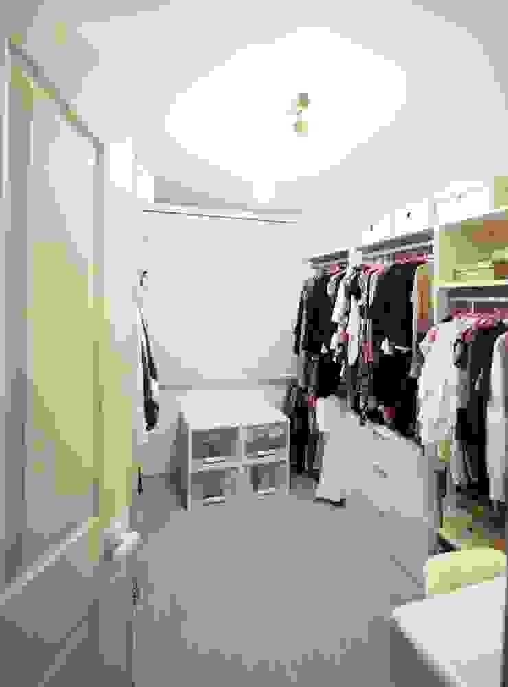 역삼동 투룸 싱글녀 홈스타일링 (Yeoksam homestyling) 모던스타일 드레싱 룸 by homelatte 모던