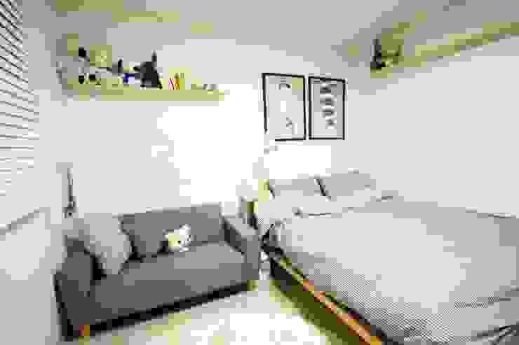 역삼동 투룸 싱글녀 홈스타일링 (Yeoksam homestyling): homelatte의  침실,모던