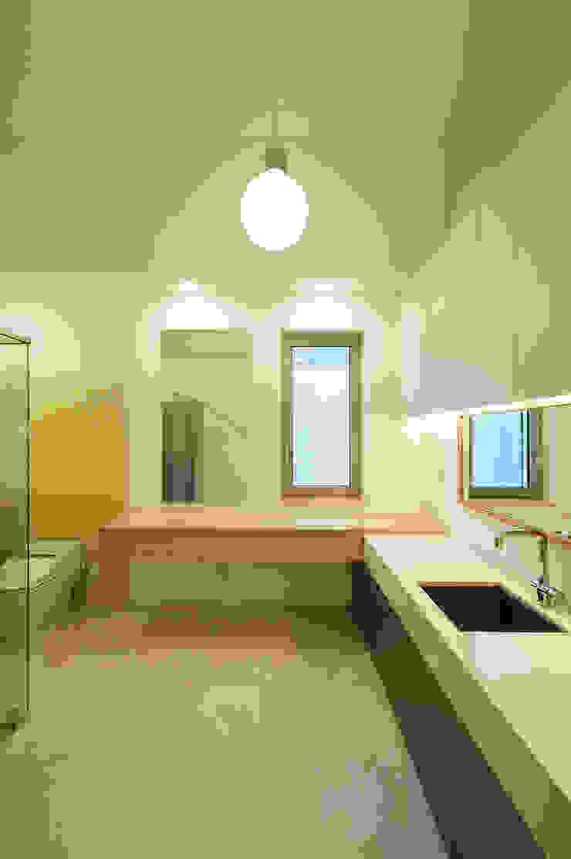 평창동 주택 (Pyeongchangdong House) 모던스타일 욕실 by 위빌 모던